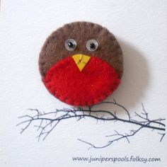 "* Idea - So cute! [This is a broach about 1"" diameter. Wonder what the beak is? The eyes look like seed beads on top of sequins]"
