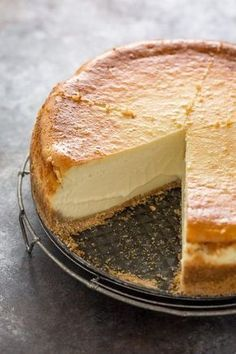 This extra rich and creamy cheesecake is freezer friendly and so delicious! Perfect for special occasions! #Cheesecake #Christmas #dessert #NewYorkCheesecake