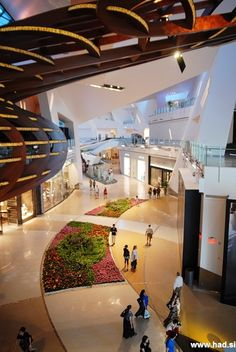 Crystals – Las Vegas Luxury Shopping