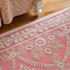 sculptured rug in pink~