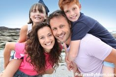 How to make sure your summer family portraits turn out amazing! Family Pictures What To Wear, Summer Family Pictures, Summer Family Portraits, Photoshoot Ideas, Clothing Ideas, Family Photography, Photo Shoot, Photo Ideas, Inspire
