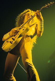 Saw the great Ted Nugent on his Scream Dream 1 nighter at Hammersmith Odeon on 1 August 1980, a bit disappointed with the set list from a weak album, Scream Dream..however a year later I was not dissappointed.