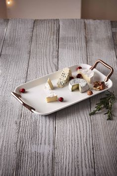Perfect gift for the entertainer, this platter is all elegance and charm! Serveware, Platter, Holiday Gifts, Entertaining, Gift Ideas, Elegant, Xmas Gifts, Classy, Dining Sets