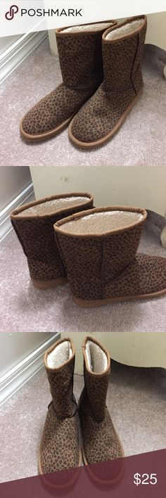 Fuzzy comfy animal print boots Fuzzy, comfy animal print boots, new never worn, size 7 Shoes Ankle Boots & Booties