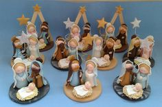 Nacimientos. Clay Christmas Decorations, Polymer Clay Christmas, Christmas Themes, Christmas Crafts, Polymer Clay Figures, Polymer Clay Projects, Clay Crafts, Nativity Crafts, Christmas Nativity