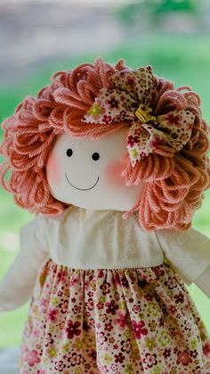 Boneca Cecília, confeccionada em algodão e tricoline, cabelos de lã, enchimento em fibra siliconada. <br>mede 50 cm