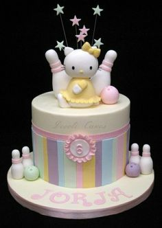Hello Kitty Bowling Cake by frances Hello Kitty Torte, Torta Hello Kitty, Hello Kitty Birthday, Girly Cakes, Fancy Cakes, Sweet Cakes, Cute Cakes, Super Torte, Fondant Cake Designs