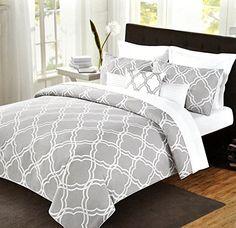 Max Studio Modern Geometric Quatrefoil Trellis Pattern Bedding Duvet Cover Set Gray and white