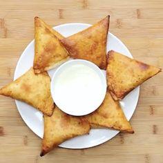 "10.7k Likes, 199 Comments - @foodyfetish on Instagram: ""Chicken Fajita Triangles! @twisted_food Love Food? Follow us: @foodyfetish❣️ Snapchat :…"""