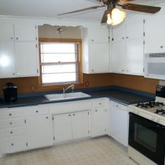 Best Way To Paint Kitchen Cabinets A Step By Step Guide Painting - Painting kitchen cabinet doors different color than frame