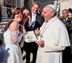 7 Reasons Why Pope Francis is the Coolest Pope | Her Campus