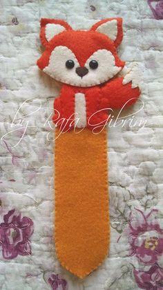 Arts And Crafts Projects, Sewing Projects, Kawaii Felt, Rakhi Making, Felt Crafts Patterns, Applique Letters, Felt Bookmark, Felted Wool Crafts, Felt Books