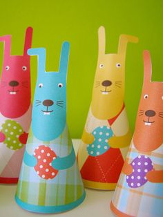 bunnies paper toy #free #printable #easter #holidays #diy #crafts
