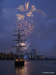 Things to do in London - Tallships Fireworks. Sightseeing in London. What to see in London. Budapest Holidays, Fireworks Festival, Things To Do In London, London Restaurants, Tall Ships, London City, Travel Inspiration, Stuff To Do, Tourism