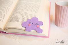 Smiling lilac felt puzzle original corner bookmark di Lanatema