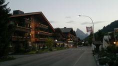 Viale di Schonried la sera