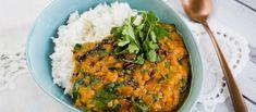 Szuperegyszerű, családbarát vöröslencsecurry • TV Paprika Chili, Curry, Ethnic Recipes, Food, Cilantro, Curries, Chile, Essen, Meals