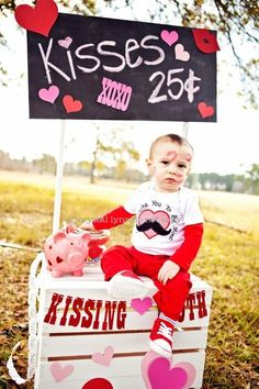 Valentine picture ideas! Kissing booth! Www,crystallynnblog.com