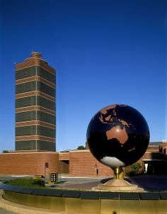 Johnson Wax Headquarters | Racine, Wisconsin | Frank Lloyd Wright | photo by Carol Highsmith