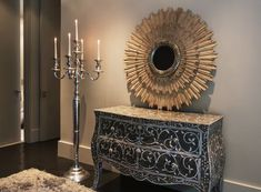 Are mirrors in the kitchen good feng shui? How about the feng shui of mirrors in the bedroom? Find out the best and the worst feng shui use of mirrors - from your main entry to your living room.: The Main Entry Mirror Living Room Mirrors, Living Room Decor, Home Bedroom, Bedroom Decor, Feng Shui Mirrors, Feng Shui Colours, How To Feng Shui Your Home, Feng Shui Bedroom, Decoration Design