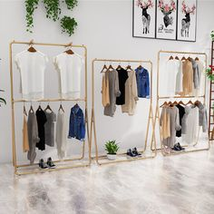 Clothing Displays Clothing Display Stand Iron Women's Store Laminate Flooring – a good floor choice Clothing Store Interior, Clothing Store Displays, Clothing Store Design, Boutique Clothing, Ideas De Boutique, Boutique Decor, Boutique Interior Design, Decoration, Hanging Clothes Racks