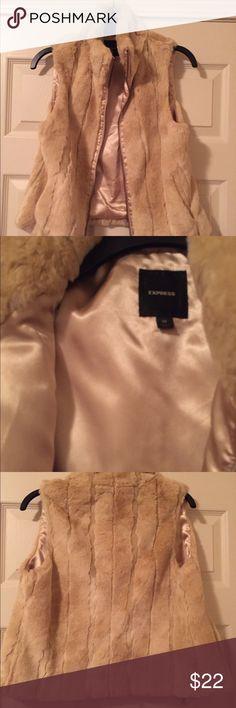 45d6a131701e Faux fur vest - Express size medium - like new Faux fur vest - Cream colored