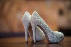 Casamento Fernanda e Juliano - Sapatos da noiva - Sapato da noiva com pérolas - Wedding - Casamento - Bride's Shoes