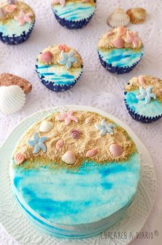 Top 15 Beach / Ocean Themed Cakes, Cupcakes & Biscuits What I just . - Top 15 Beach / Ocean Themed Cakes, Cupcakes & Biscuits What I just love about beach th - Beach Themed Cakes, Beach Cakes, Beach Theme Cupcakes, Party Cupcakes, Beach Themed Desserts, Beach Themed Food, Seashell Cupcakes, Cake Cookies, Cupcake Cakes