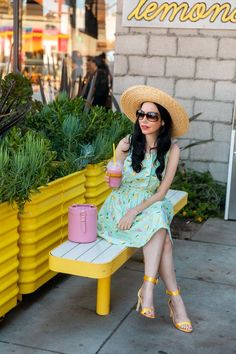 The weather is warm and humid and I've been living in this Sarah Patrick Collection Lemonade Dress. Ladylike Style, Preppy Style, Classy Girl, Classy Dress, Parisian Chic, Mode Vintage, Summer Dresses, Boater Hat, James Patrick