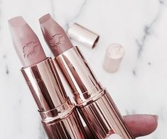 Shared by Find images and videos about lipstick, makeup and beauty on We Heart It - the app to get lost in what you love. Kiss Makeup, Glam Makeup, Love Makeup, Beauty Makeup, Hair Makeup, Makeup Stuff, Makeup Set, Pretty Makeup, Makeup Goals