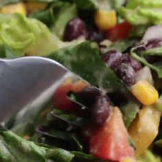 Southwestern salad with avocado dressing. southwestern salad with avocado dressing salad recipes healthy vegetarian, heathly Tasty Videos, Food Videos, Vegetarian Recipes, Cooking Recipes, Healthy Recipes, Cooking Tips, Cooking Websites, Tasty Salad Recipes, Salad Recipes Video
