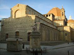 2. Basílica of San Lorenzo, Florence -  Los ejemplares más significativos de planta basilical del cuattrocento italiano son las iglesias florentinas de San Lorenzo y del Santo Espíritu de Brunelleschi.