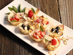 Mini Berry Cheesecakes! Looks great!