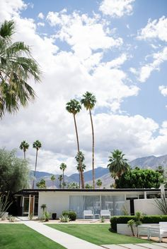 weekend getaways = Palm Springs