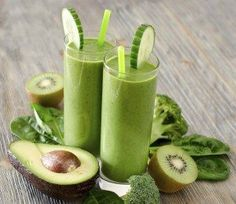 Green Smoothie with Avocado Kiwi and Cucumber Recipe - Nutribullet Recipes Avocado Smoothie, Smoothies Kiwi, Smoothie Legume, Avocado Juice, Smoothie Blender, Juice Smoothie, Milk Shakes, Nutribullet Recipes, Smoothie Recipes
