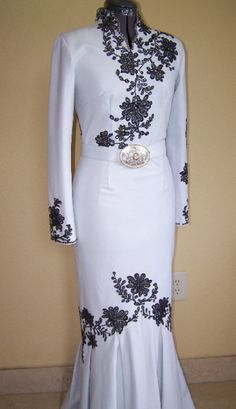 DRESSES FOR RENT-- I must have this on hand!