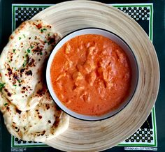 Indiai vajas csirke - Murg makhani - Helló Curry! Naan, Mediterranean Recipes, Cheeseburger Chowder, Cantaloupe, Curry, Fruit, Food, Cilantro, Curries