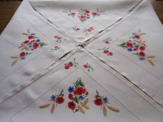 VINTAGE HAND EMBROIDERED LINEN AFTERNOON TEA CLOTH EXQUISITE CORNFIELD FLOWERS | eBay
