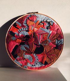 Bordado Arte Contemporáneo Textura 35 Ideas # bordado Embroidery and Needlepoint Hardanger Embroidery, Learn Embroidery, Embroidery Stitches, Embroidery Patterns, Hand Embroidery Art, Contemporary Embroidery, Modern Embroidery, Contemporary Art, Abstract Embroidery