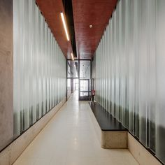 The Luís de Freitas Branco High School is a redevelopment project of an existing school located in Paco de Arcos, on the outskirts of Lisbon. The school occu...