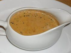 Easy pepper sauce with thermomix. Here is a recipe for Pepper Sauce, easy and quick to prepare at home with the thermomix. Hamburger Sauce, Vegan Breakfast Recipes, Vegan Recipes Easy, Sauces Thermomix, Au Poivre Sauce, Sauce Recipes, Beef Recipes, Creamy Peppercorn Sauce, Marinade Sauce