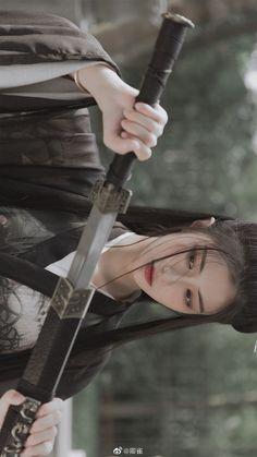 Human Poses Reference, Pose Reference Photo, Female Reference, Geisha, Female Samurai, Warrior Girl, China Girl, Cosplay, Action Poses