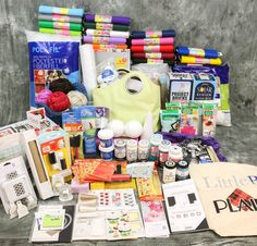 The Ultimate Craft-tastic Grand Prize Giveaway.    Wouldn't it be Great to have All this ?? It's possible,  just Enter to Win. Check the link and your chance to Win could be the One You've Dreamed Of !!  GOOD LUCK !