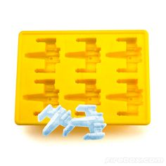 """Bunları rakı kadehine atıp bir Geek - Doğu sentezi yaratabilirsin """"Star Wars X-Wing Silicone Ice Tray"""""""