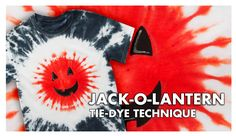 Perfect for Halloween, this jack-o-lantern tie-dye technique is super easy and makes a great quick and easy Halloween costume! Fête Tie Dye, Tulip Tie Dye, Tie Dye Party, Tie Dye Kit, How To Tie Dye, Tie And Dye, Diy Halloween Shirts, Easy Halloween, Designs Tie Dye