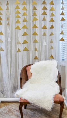 DIY Bridal Shower backdrop
