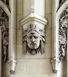 Daytonian in Manhattan: The Magificent 1913 Woolworth Building -- Broadway at Park Place. Not all of architect Cass Gilbert's details were traditionally Gothic. Here he gives a nod to American history. Great Photos, Old Photos, Woolworth Building, Abandoned Buildings, Beautiful Buildings, Architecture Details, Impressionist, Lion Sculpture, Old Things