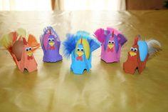 Poules de Paques fabriquées avec des boîtes à oeufs