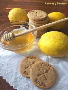 Galletas de limón y miel. Como pintarlas rápido para un cumple o Navidad. Receta paso a paso. http://recetasysonrisas.blogspot.com.es/2016/12/galletas-de-limon-y-miel.html #receta #galletas #galletasdelimonymiel #miel #limon