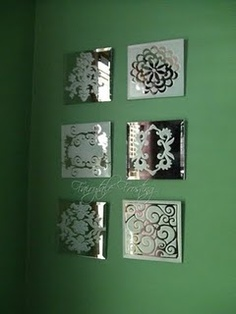 Spray mirror tiles with frosted glass spray available at craft stores using stencils Craft and DIY Projects and Tutorials Do It Yourself Furniture, Do It Yourself Home, Home Crafts, Diy Home Decor, Diy Crafts, Home Decoration, Craft Robo, Frosted Glass Paint, Mirror Tiles